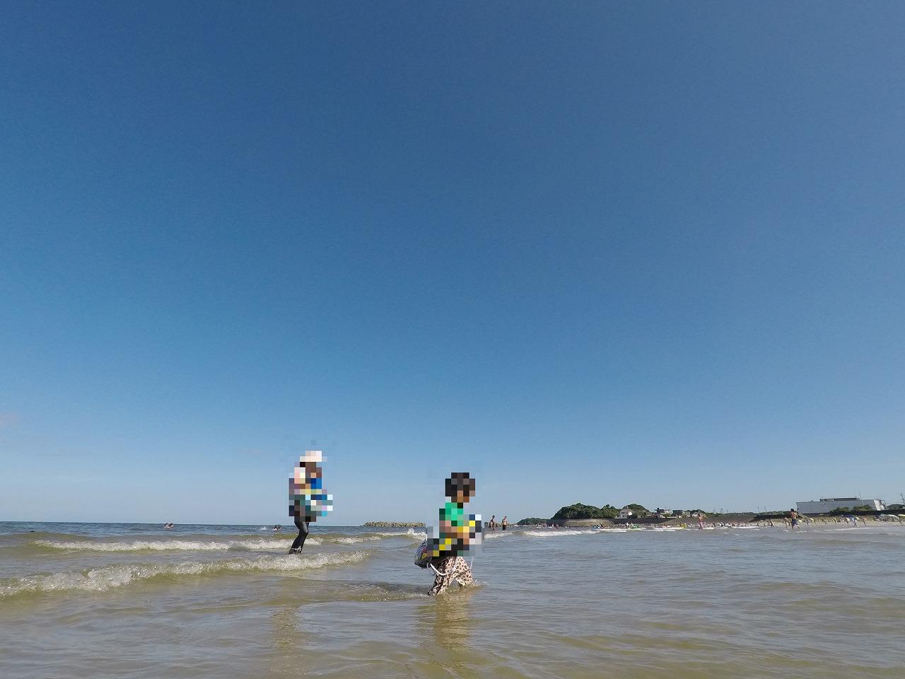 阿児の松原海水浴場浅いので波も安心