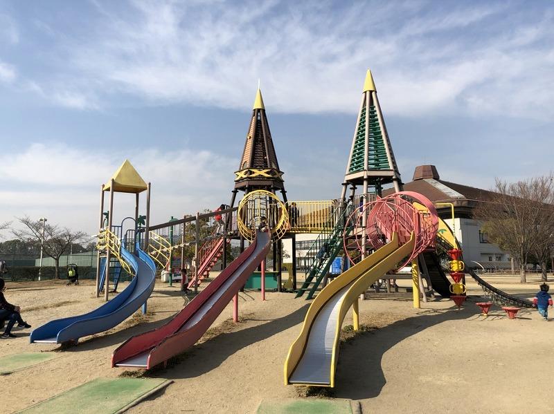 八幡市民スポーツ公園のアスレチック遊具