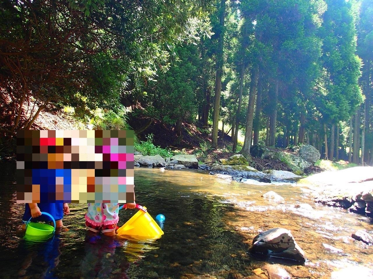 小さい子の川遊びもOK